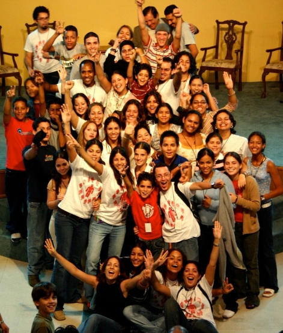 2004- Llegando de un retiro con alguno de los jóvenes