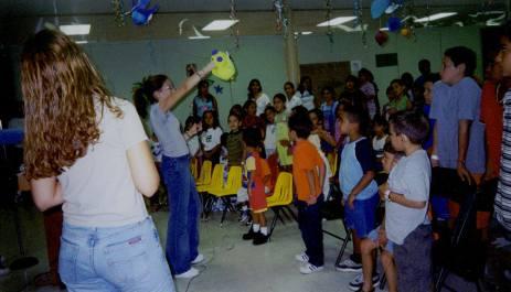 2000 - Dirigiendo ministerio de Iglesia Infantil en ICCR